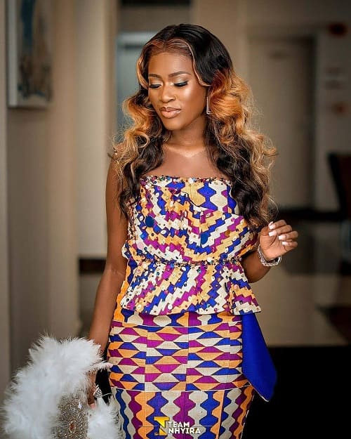 50 Kente Styles for Engagement, Graduation. (Photos) 8