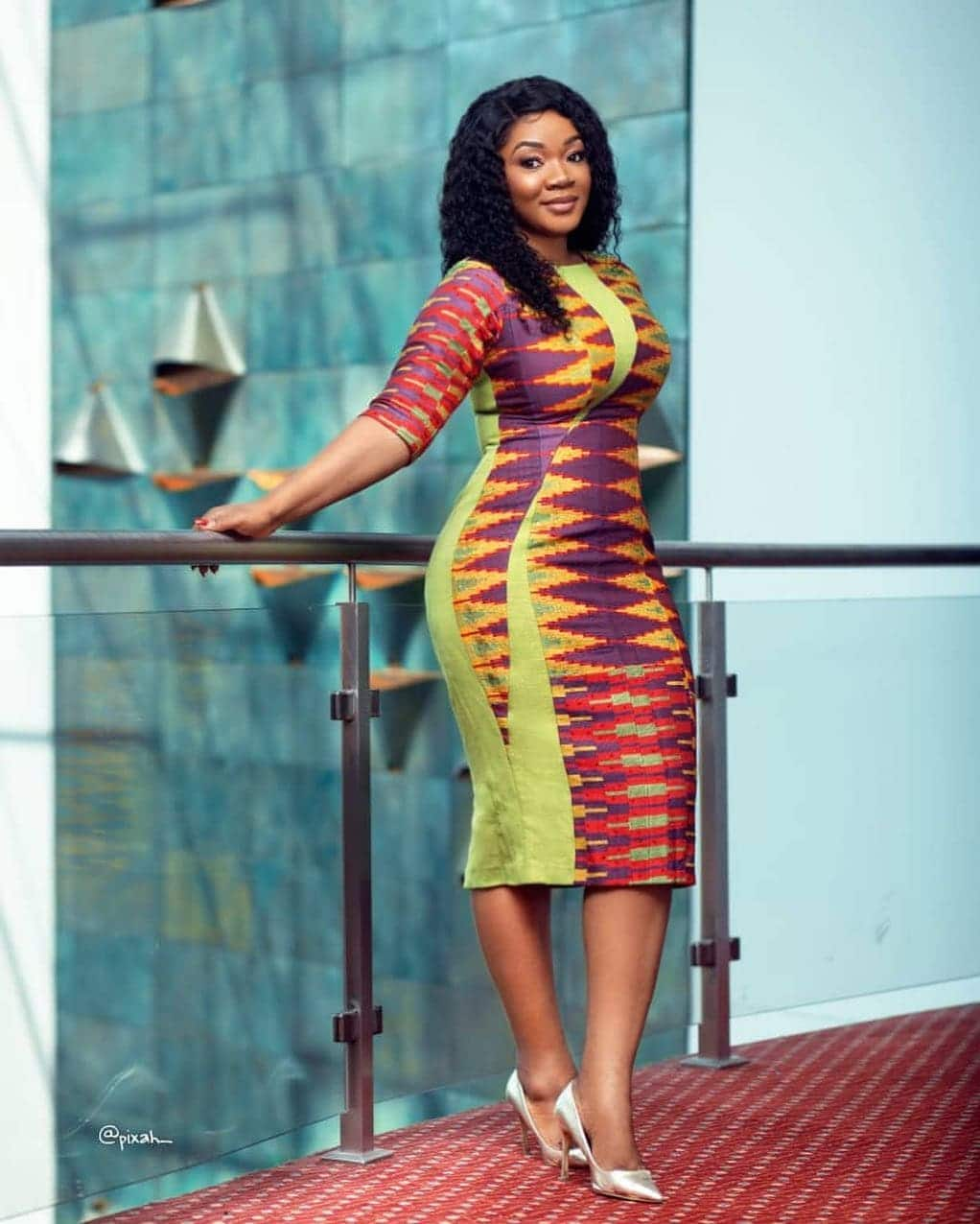 50 Kente Styles for Engagement, Graduation. (Photos) 2